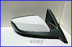 2016-2020 Chevy Malibu RH Mirror OEM WithBlind Spot (Summit White) 84466809